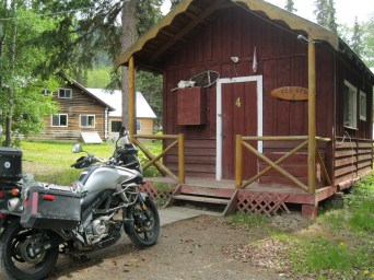 Dry warm Rustic Cabin - Tatogga Lake