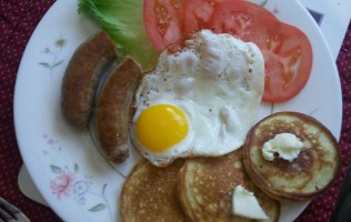 Pancakes, sausages & eggs