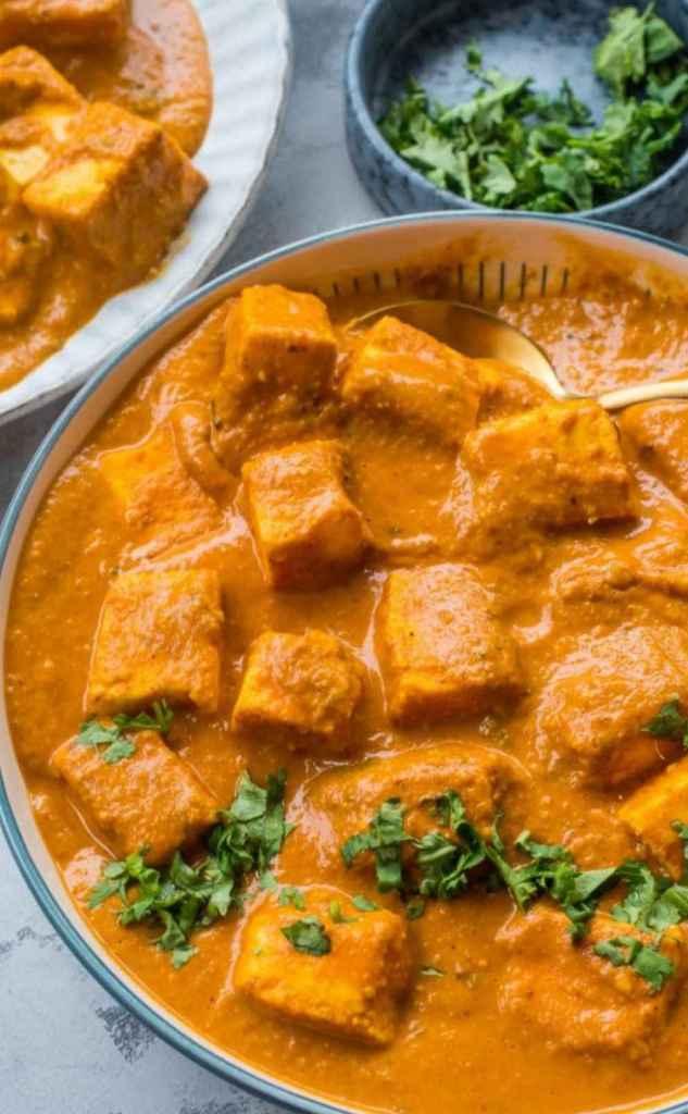 Close-up of Paneer tikka in a bowl
