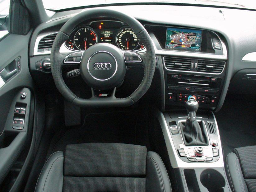 interior Audi A4 2.0 TDI Avant Quattro
