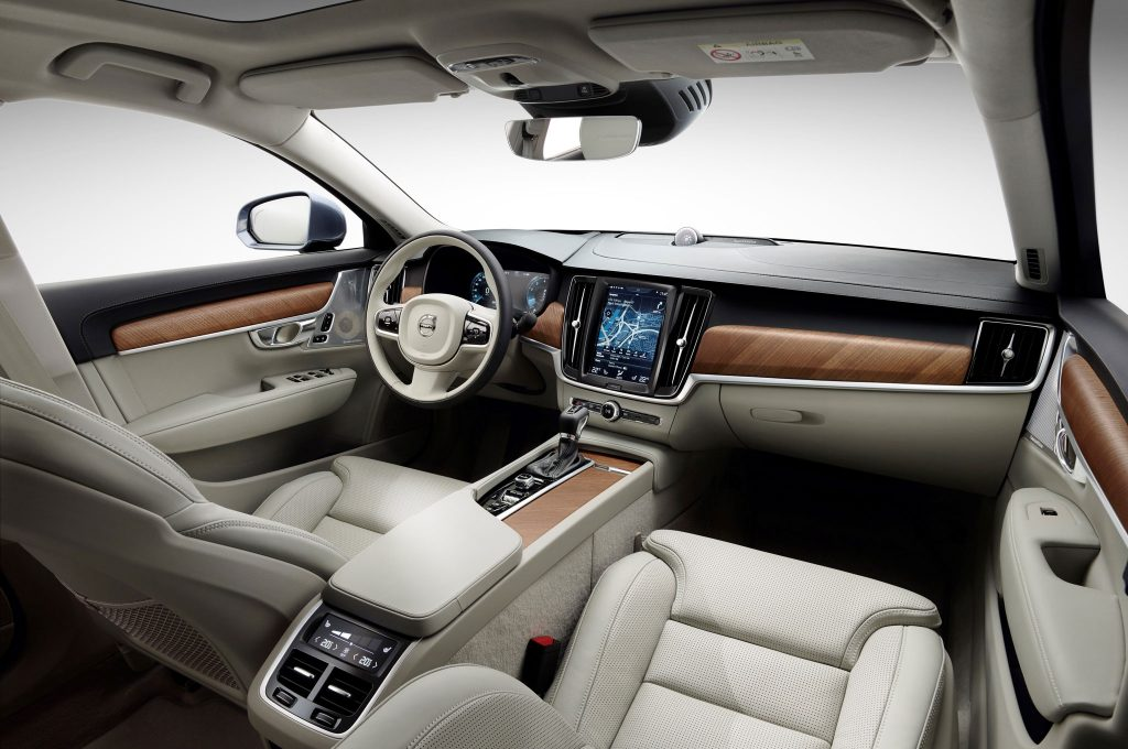 2017-Volvo-S90-interior-from-B-Pillar