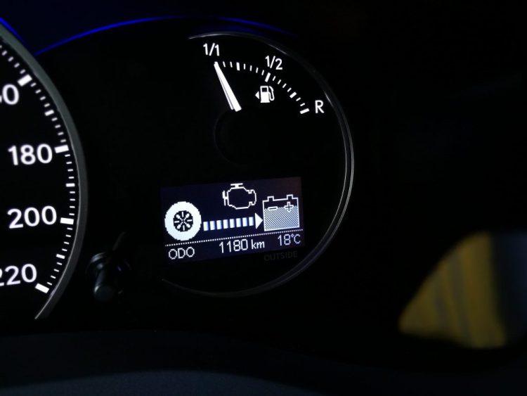 Carga batería Lexus CT200h