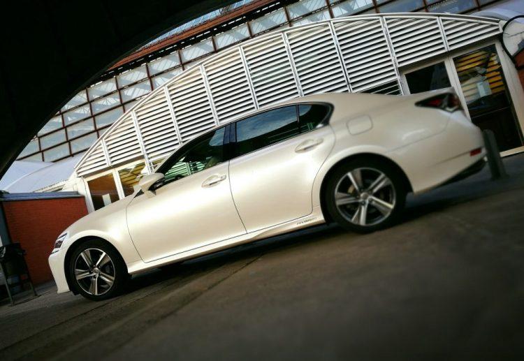 Lateral Lexus GS 300h