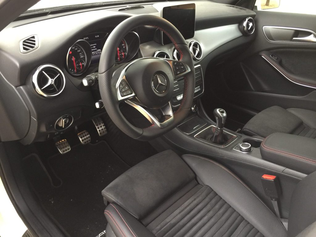 Interior Mercedes GLA 200 CDI