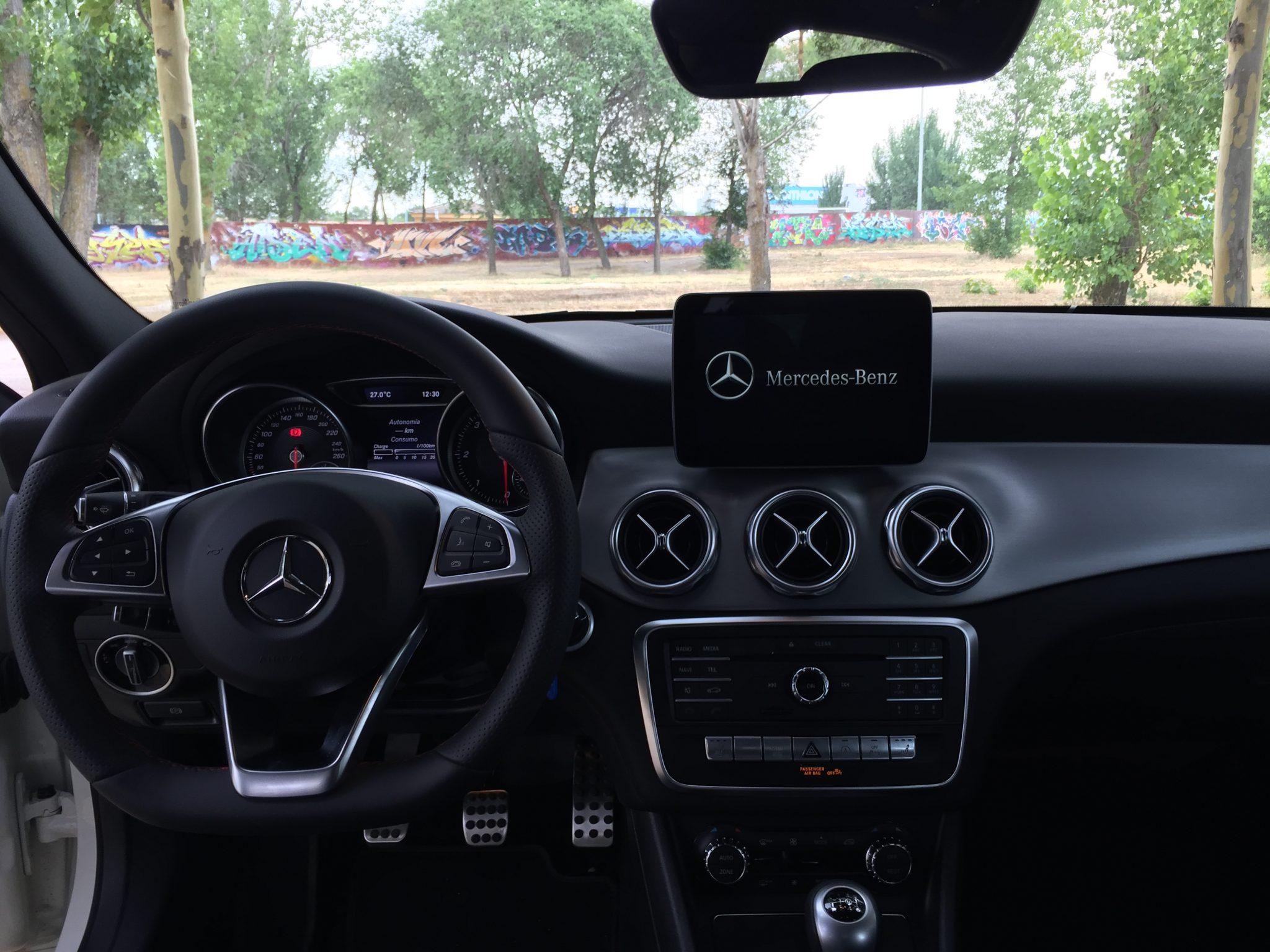 interior del GLA 200 CDI