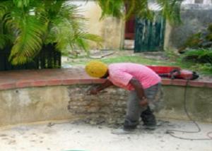 cara memperbaiki kolam ikan yang bocor