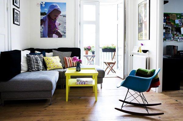 Warna Hitam untuk Desain Ruang Tamu Minimalis yang Lebih Modern dan Mewah