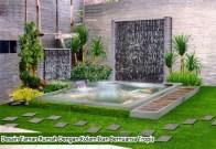 Desain Taman Rumah Dengan Kolam Ikan Bernuansa Tropis