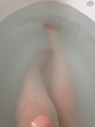 cara sutra preparing for sex in the bath