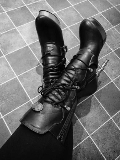 demonia muerto boots cara sutra wearing review 800-21