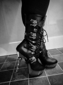demonia muerto boots cara sutra wearing review 800-23