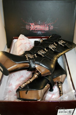 demonia muerto boots review Cara Sutra 800-10