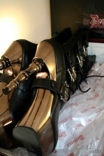 demonia muerto boots review Cara Sutra 800-21