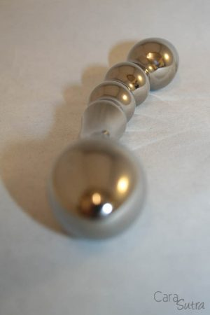 crowned jewels shaftsbury titanium dildo in natural grey cara sutra review-15
