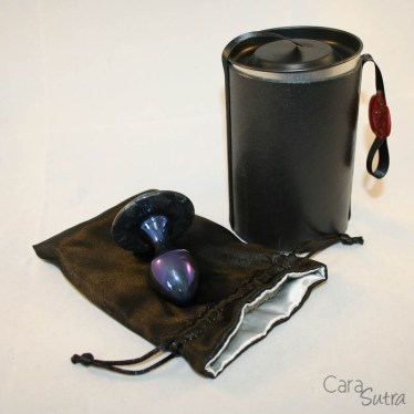 crowned jewels upminster titanium butt plug blue cara sutra review-25