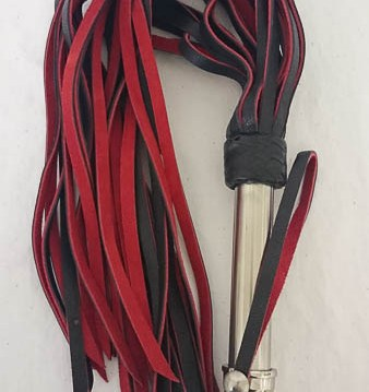 uber kinky red and black flogger cara sutra review-10