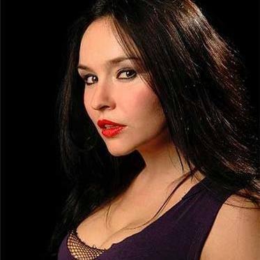 Vanessa de Largie The Victress 2