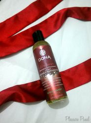 DONA Strawberry Soufflé Kissable Massage Oil Review