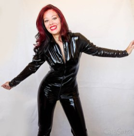 Vawn and Boon PVC Catsuit Review Cara Sutra-27
