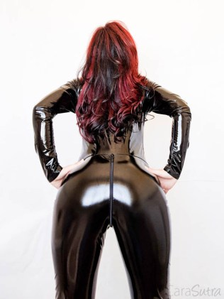 Vawn and Boon PVC Catsuit Review Cara Sutra-6