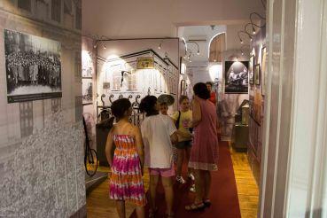 Caravana la Muzeul Sutu-125