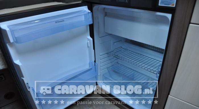 Burstner-Averso-Top-430TS-koelkast-open
