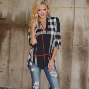 2017 New 5XL 4XL 3XL Plus size Women Clothing Casual Loose V neck Three Quarter Plaid Button Big size T-shirts Tops
