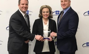 Caravan receives award from GM