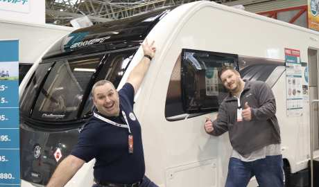 2 Men 2 Berth
