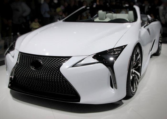 トヨタのキーンルックとは?他社との違いやデザインの評判も解説!