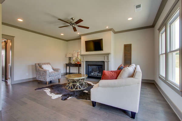 Family Room, Tollgate Village in Thompsons Station, Carbine & Associates