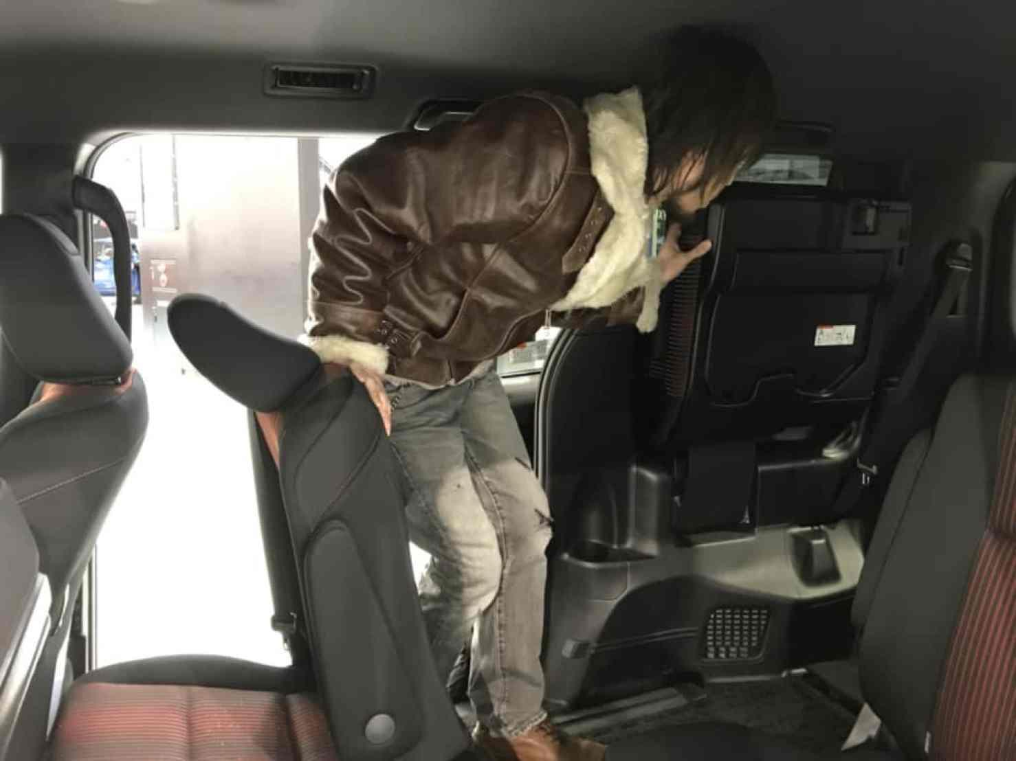 ヴォクシーの後部座席への乗車