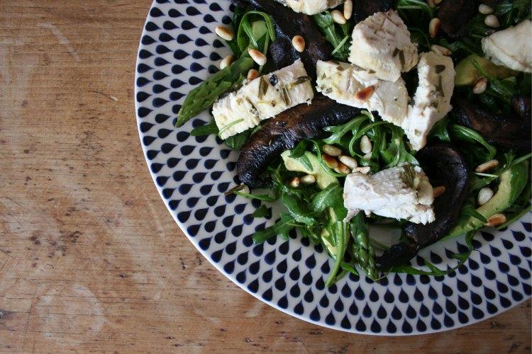 Carb-free chicken, mushroom and asparagus salad