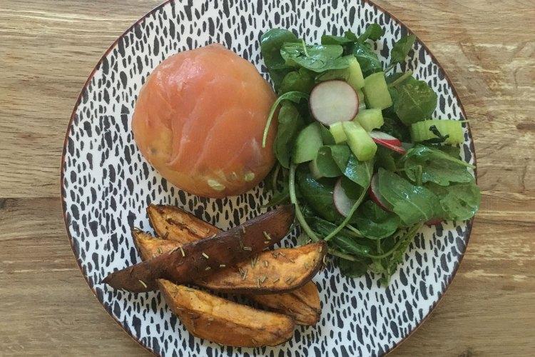 Carb-free smoked salmon, avocado and riccotta parcel