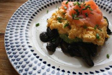 Zero carb breakfast - Smoked scrambled eggs mushrooms avocado