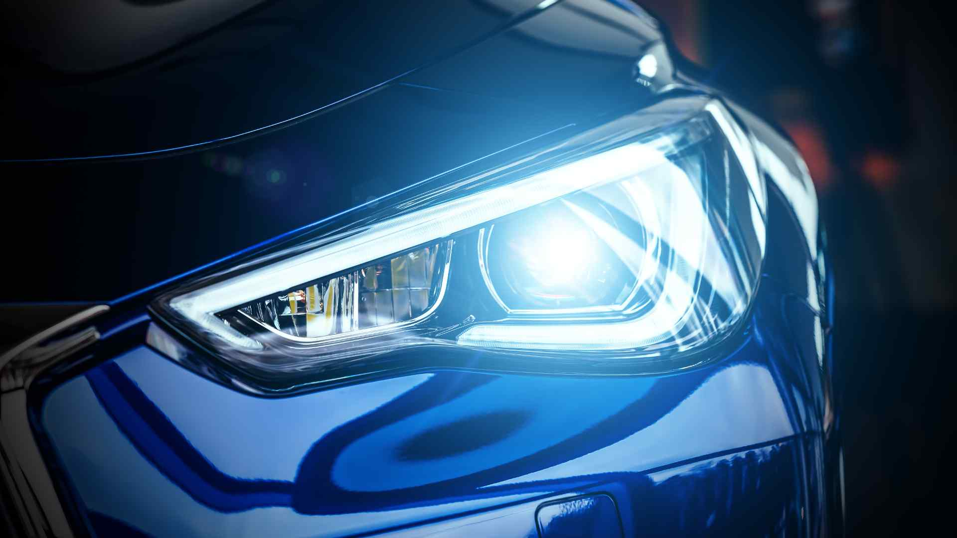 LED vs Halogen Headlights 2