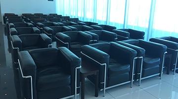 北九州空港の空港ラウンジ「ラウンジひまわり」(ターミナルビル2階)