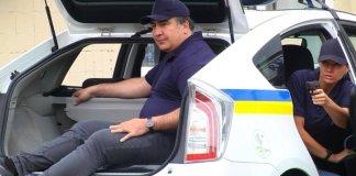 Михаил Саакашвили в Toyota Prius