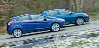 Renault Sandero и Ford Fiesta