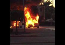 Пожар уничтожил спорткар Lamborghini Countach