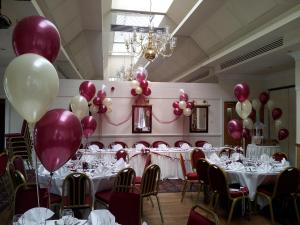 Complete Room in Burgundy and Ivory by Cardiff Balloons