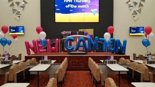 NEW CANTON @castle Bingo. #corporateballoondecor