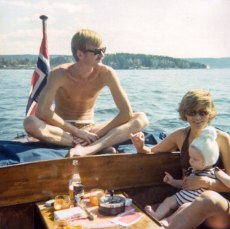Mom, Dad and a young Guzman. In the 70's we didn't have to worry about stuff like life jackets when we were out on the sea. Smoking didn't kill you and enjoying alcohol in the presence of children was OK.