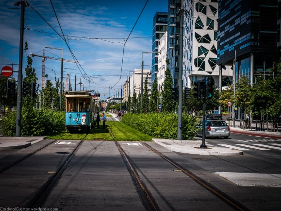 Test ride with an old tram in the Barcode area
