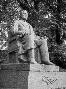 October: Someone stole Franklin D Roosevelt's nose.