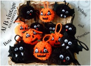 Halloween pompom decorations