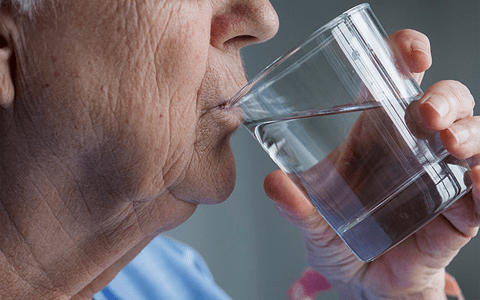 Care home workers missing danger signs of dehydration according to study 6