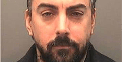 Paedophile ex-Lostprophets singer gets more prison time over phone possession 1