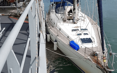 Six held after yacht carrying £60M of cocaine is seized off Welsh coast 1