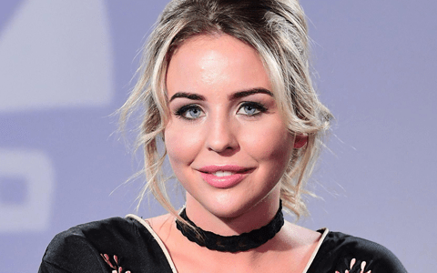 TV actress Lydia Bright adds her voice to call for more foster carers 7